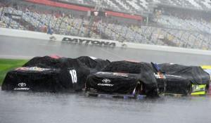 daytona500 rain - cars