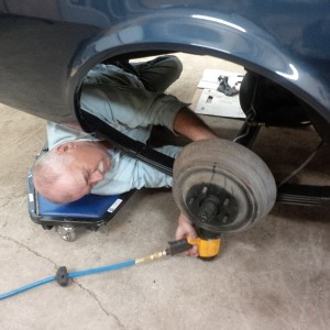 Harm installing rear suspension