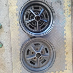 Unrestored rim beside finished rim